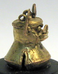 6669 - Tairona Human Headed Bell